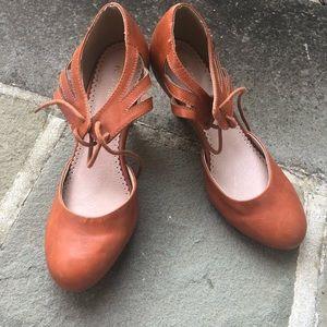Restricted heels 8.5